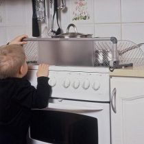 Safetots Dual Purpose Stove Guard Hob Protector
